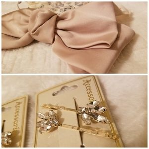 SET of 4!!🎀🌸🎀 Free people bow and clips